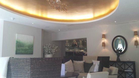 Bedford Lodge Hotel: Spa Lounge Area