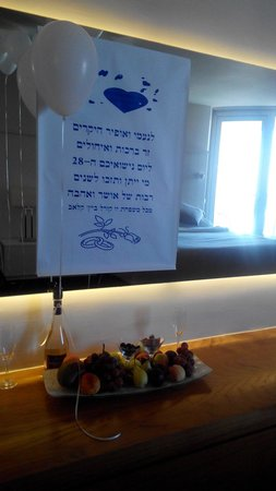 U Coral Beach Club Eilat: הפתעה בחדר (-: