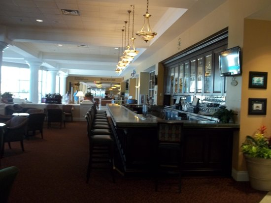 Rosen Plaza Hotel : hotel lobby and Bar