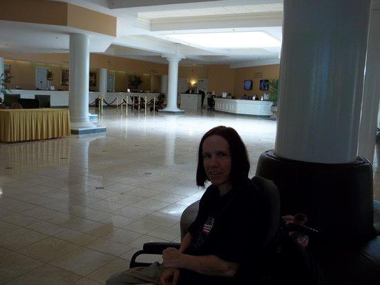 Rosen Plaza Hotel: Lobby