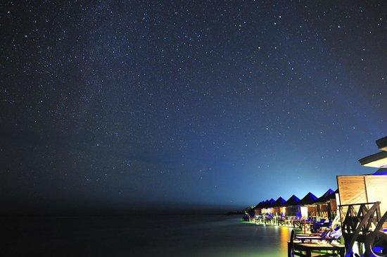 Kuredu Island Resort & Spa: View from the lower deck balcony of Sangu Villa