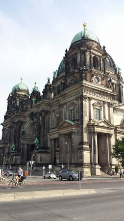 Berlin Cathedral: Berliner Dom outside