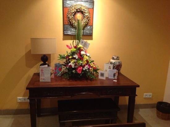 Peninsula Bay Resort: flowers for my birthday...