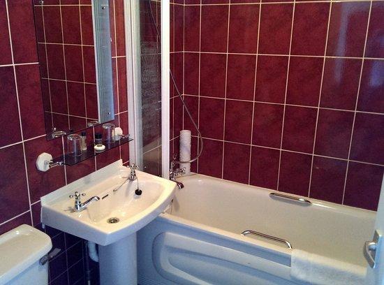 Walpole Bay Hotel: Bathroom