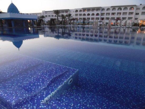 Concorde Hotel Marco Polo : Piscina Hotel