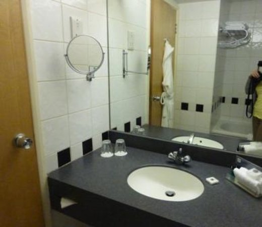 Crowne Plaza London - Kings Cross: salle de bain