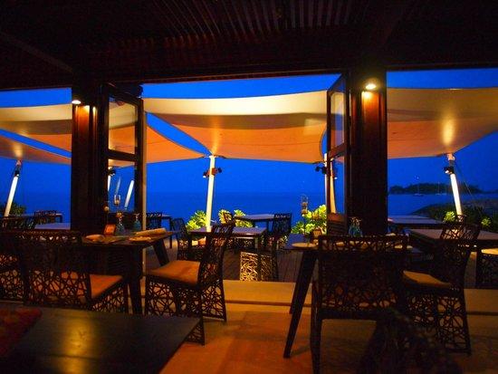 The Tongsai Bay: Beautiful nightfall at the beach front restaurant