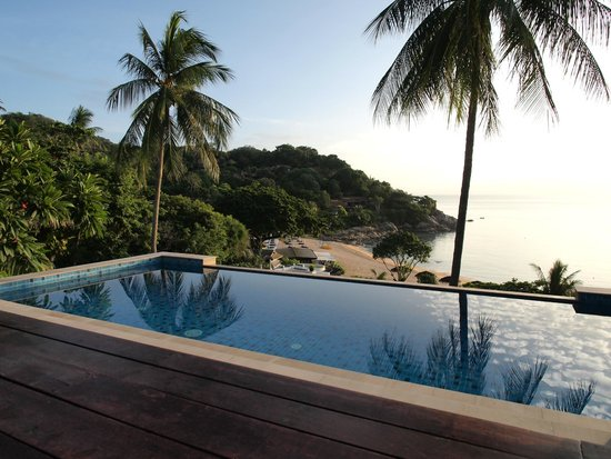 The Tongsai Bay: Quiet morning at a sea front pool villa