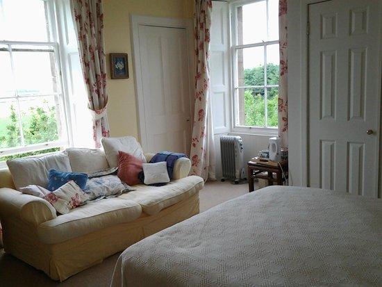 Whitfield Farmhouse B&B: Our room
