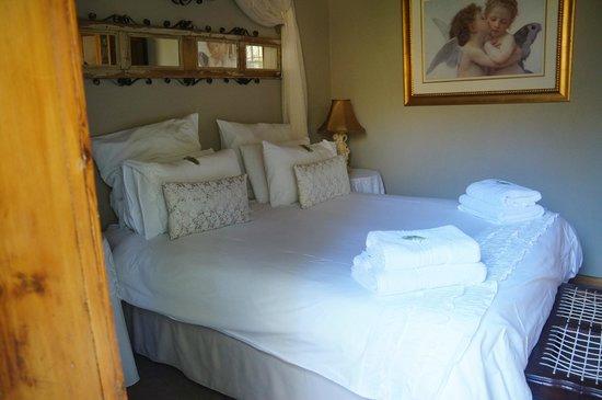 La Pension Guest House : Double bedroom