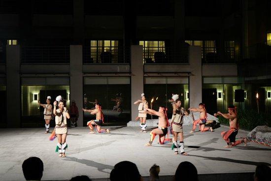 Silks Place Taroko: アミ族舞踏