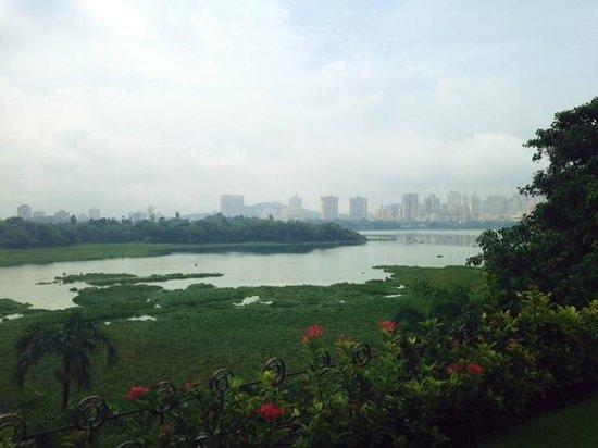 Renaissance Mumbai Convention Centre Hotel : Powai Lake