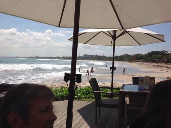Bali Garden Beach Resort: view along Kuta Beach from Boardwalk Cafe