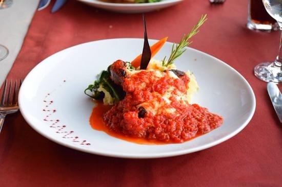 Kaya Levissi Garden: steak with Levissi special sauce