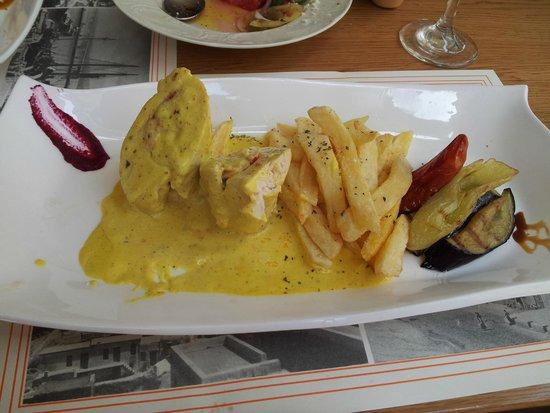 Corina Restaurant: Chicken in pepper sauce