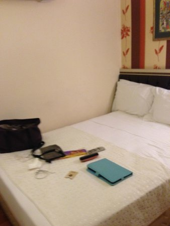 Hotel Evsen: Small windowless single room