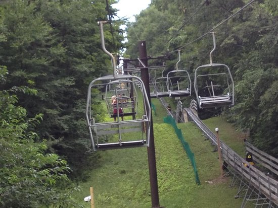Jiminy Peak Mountain Resort: A ride up to slide