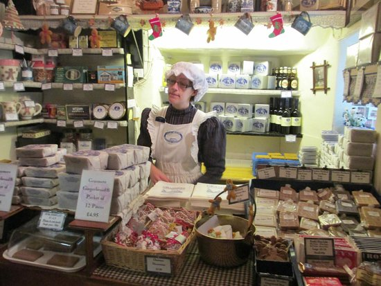 The Grasmere Gingerbread Shop (Sarah Nelson's): Inside the Gingerbread Shop - Oh wish I'd bought more !