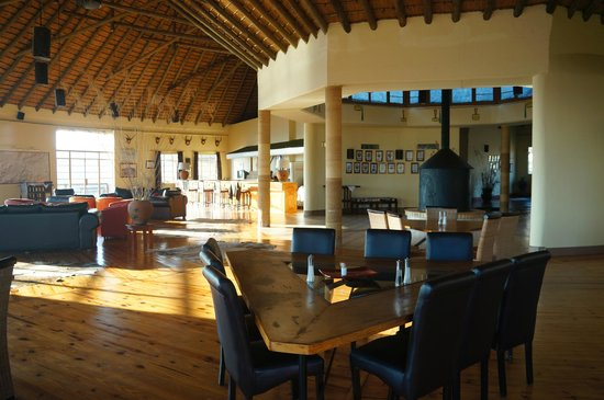 Rorke's Drift Hotel: Bar area