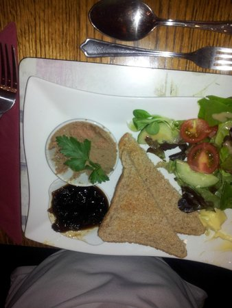 The George Inn: Chicken liver pate