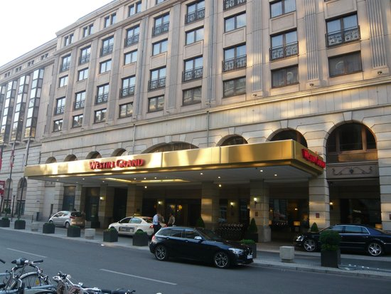 The Westin Grand Berlin : View of main entrance