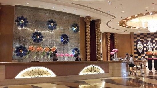 Sofitel Macau At Ponte 16: Lobby Hotel Sofitel Macau..