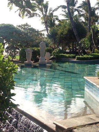 La Pirogue Resort & Spa : swimming pool