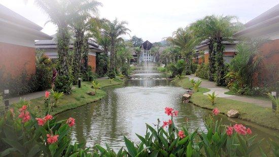 Beyond Resort Khaolak: View towards Reception