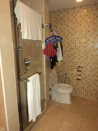 Sunway Resort Hotel & Spa: bathroom junior suite