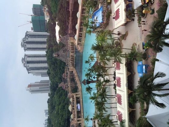 Sunway Resort Hotel & Spa: view from room window - floor 7