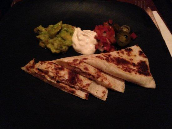 Hacienda-Mexican Bar and Grill: quesadillas