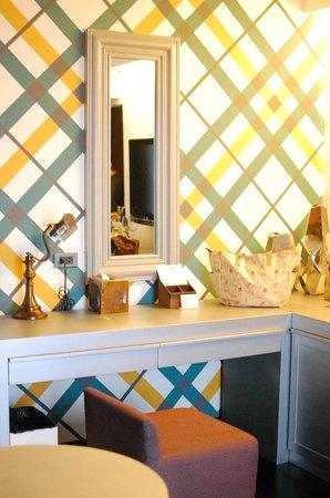 The Theodore Hotel: The quaint vanity desk