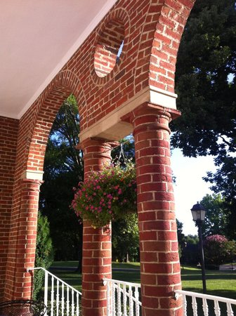 Hampton Inn Lexington - Historic District : View of the brick columns on the porch.