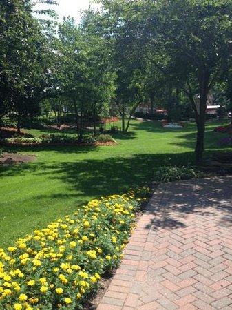 Washington Marriott Wardman Park : More of beautiful grounds