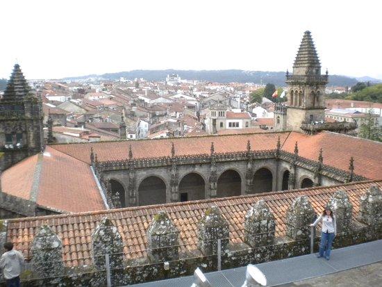 Cathédrale de Saint-Jacques-de-Compostelle : Palacio de Xelmirez desde la cubierta de la catedral