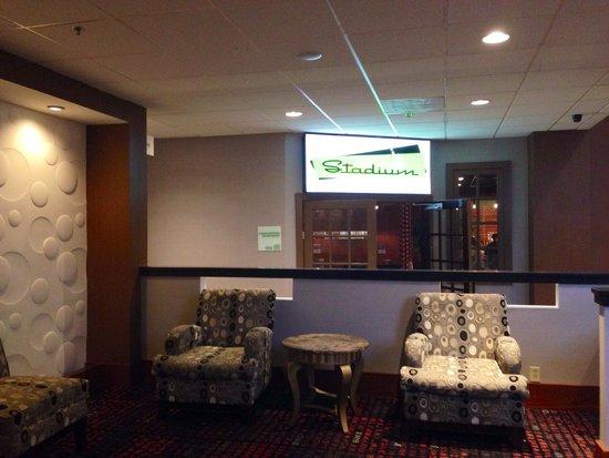 Holiday Inn Philadelphia Stadium : Lobby / Restaurant