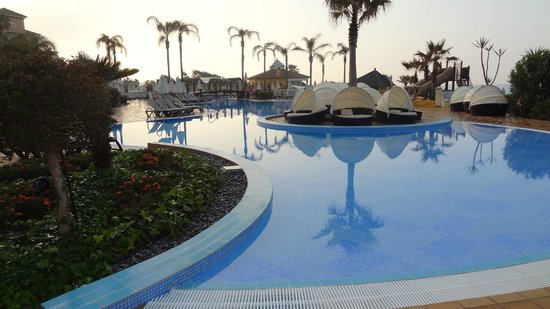 Marriott's Marbella Beach Resort: Beautiful Pool
