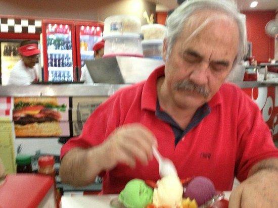 Soda Tapia: Saboreando la fuente de helados