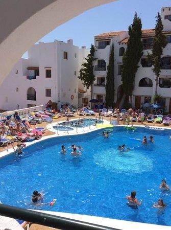 Holiday Park Apartments: poolområdet