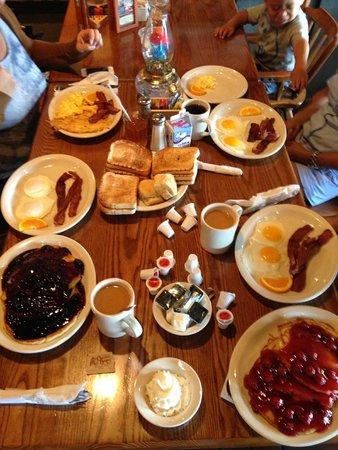 Cracker Barrel: Frühstück