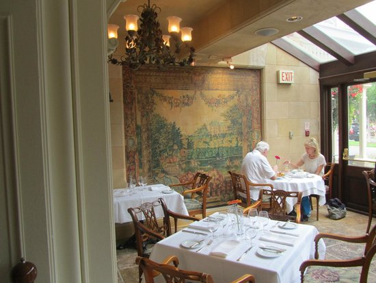 Prince of Wales: Dining