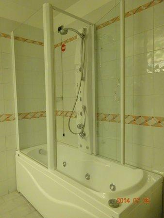 Hotel Bristol Milan : バスルーム