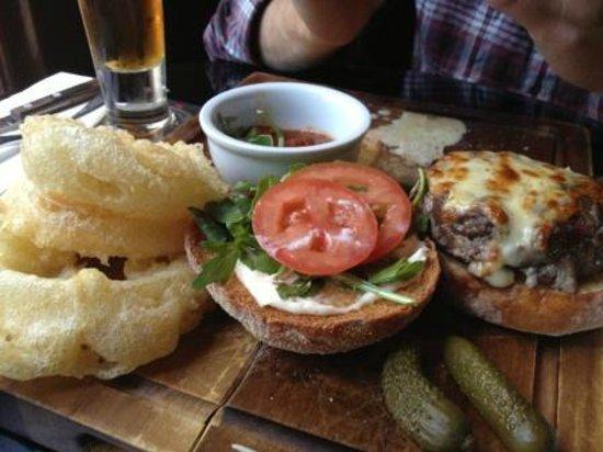 Moo Moo The Wine Bar + Grill : Wagyu burger and onion rings