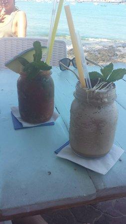 Agua Tiki Bar: Beautiful!