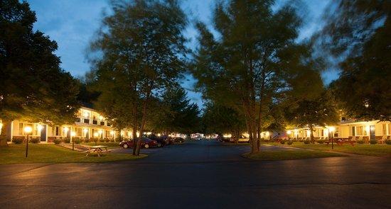 Americas Best Value Inn & Cottages : Property