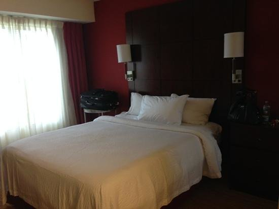 Residence Inn Charlotte Concord : One of the bedrooms