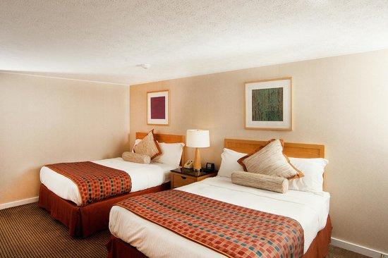 Americas Best Value Inn & Cottages: 2 Queen Beds