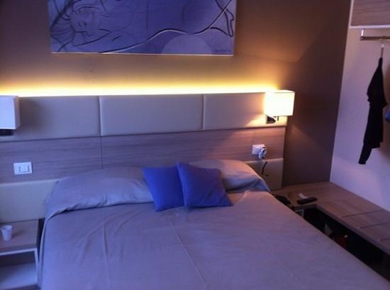 Hotel Cristina: camera matrimoniale 1' Piano