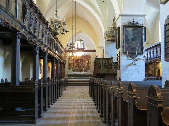 Church of the Holy Spirit Puhavaimu Kirik: Церковь Святого Духа, интерьер