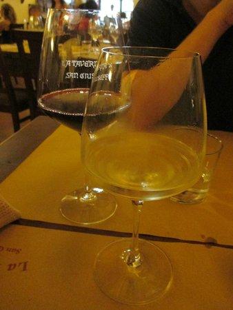 La Taverna di San Giuseppe: Great wine / prosecco